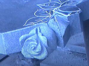 Памятник на могилу в Тюмени недорого