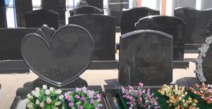 недорогой памятник на могилу в Тюмени