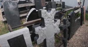 Памятники на могилу заказать Тюмень