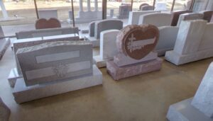 Памятники из мрамора в Тюмени